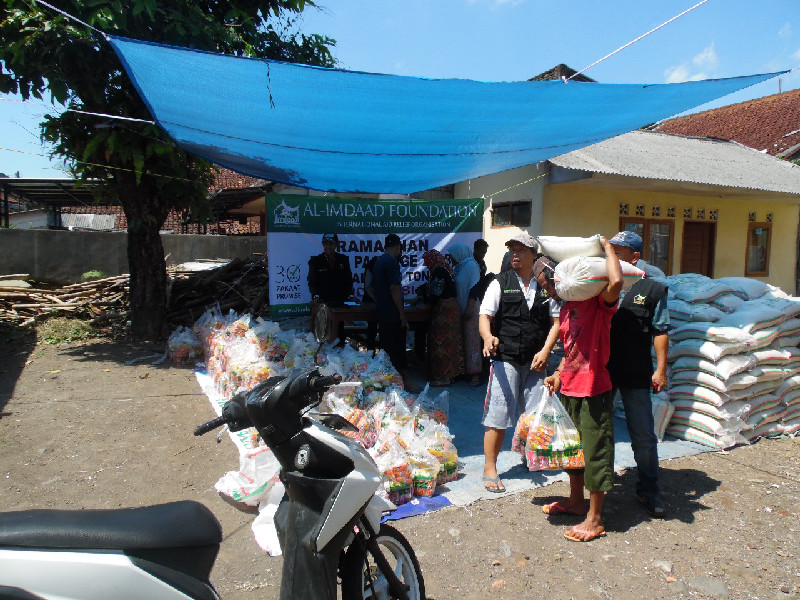A distribution point for food aid hampers set up by our Indonesian teams
