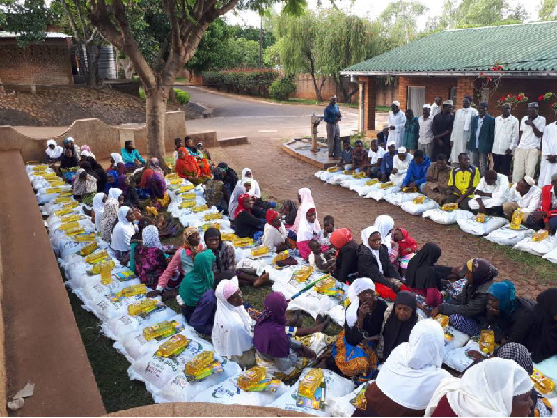 Families in Malawi receive hampers to help them to fast the month of Ramadan without difficulty